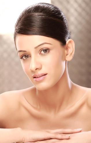 Smriti Khanna HQ Wallpaper and Photos with Biography
