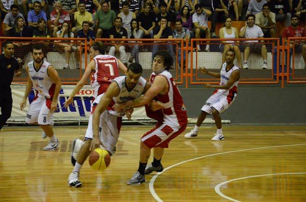 A Winner não quer levar a série melhor de cinco dos playoffs quartas de  final do Campeonato Paulista de Basquete da Série A-1 para o quinto jogo no  domingo 5f884a8ada7