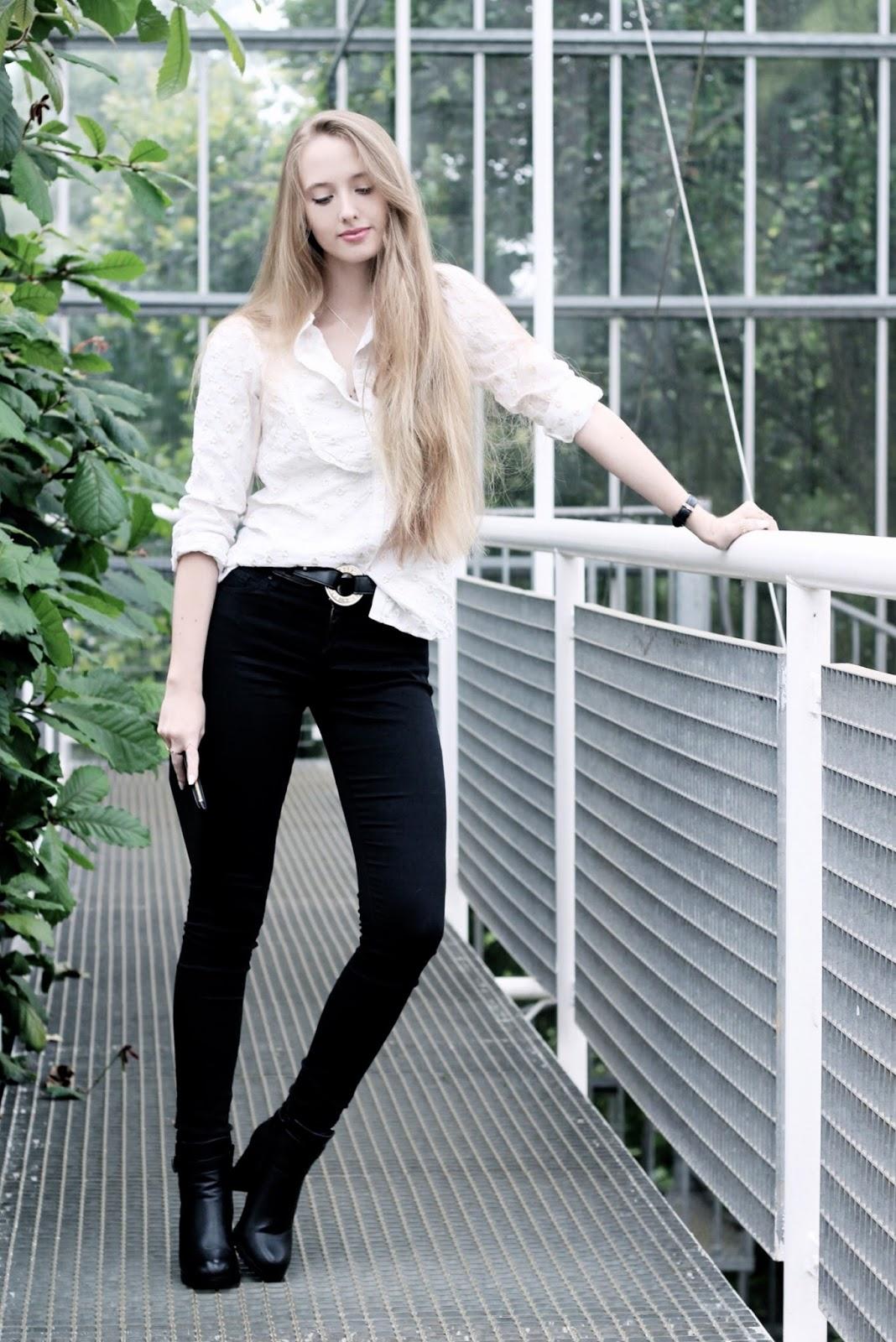 UK luxury fashion style blogger