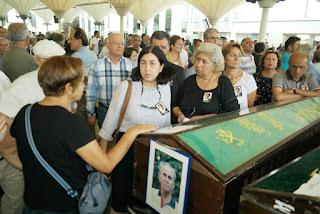 Vefat Eden Eğitimci Yazarın Kitapları Kalemleri Mezarına Serpildi