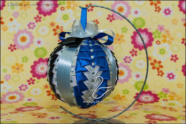 519. Bombka z cekinów i wstążek / Ribbon christmas bauble