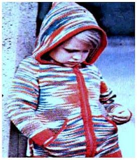 Кофта для девочки с капюшоном спицами