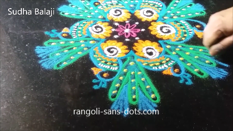 peacock-in-rangoli-1ae.png