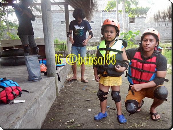Tubing Seru Di Sungai Mencerit Pringgasela Lombok Aseanis Writing