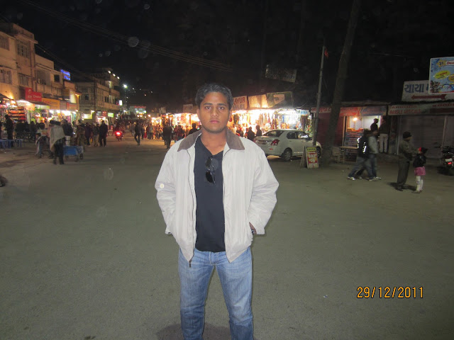 mall road in mount abu