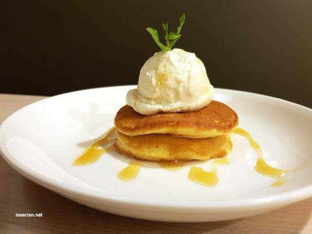 Maple & Butter Souffle Pancake - RM10.90