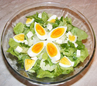 salata verde cu oua, salata verde retete, salata verde preparare, salata verde reteta simpla, salata cu oua, salate, salata verde cu ou, retete, retete culinare, diete, cure, regim, salata, salata verde,