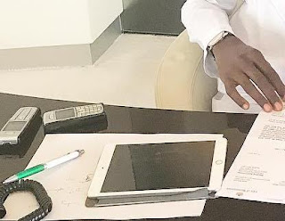 Femi Otedola still uses the Old Nokia
