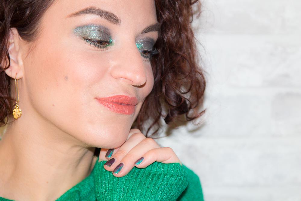 Un maquillage des yeux tout en vert avec Urban Decay