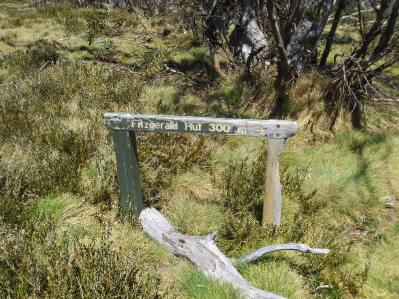 Sign to Fitzgerald Hut