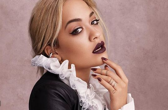 rita-ora-poses-naked-for-her-holiday