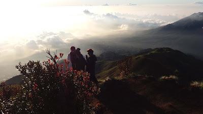 foto puncak kenteng songo gunung merbabu