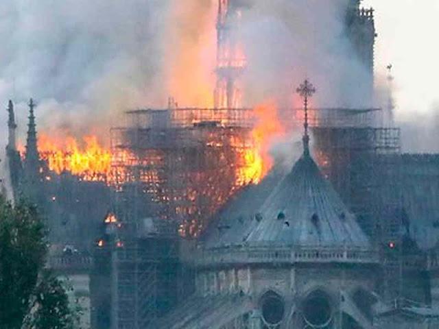 Francois Pinault dan Bernard Arnaut Sumbang Ratusan Juta Dolar untuk Restorasi Katedral Notre Dame