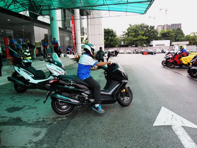 Motoring-Malaysia: Scooter & Industry News: MODENAS