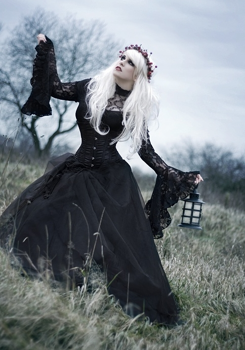 Dark Eyeliners And Finger Nails Are Consider Necessary To Become A Goth This Fashion Style Is Not Specified For Men Or Women Means Both Genders Can