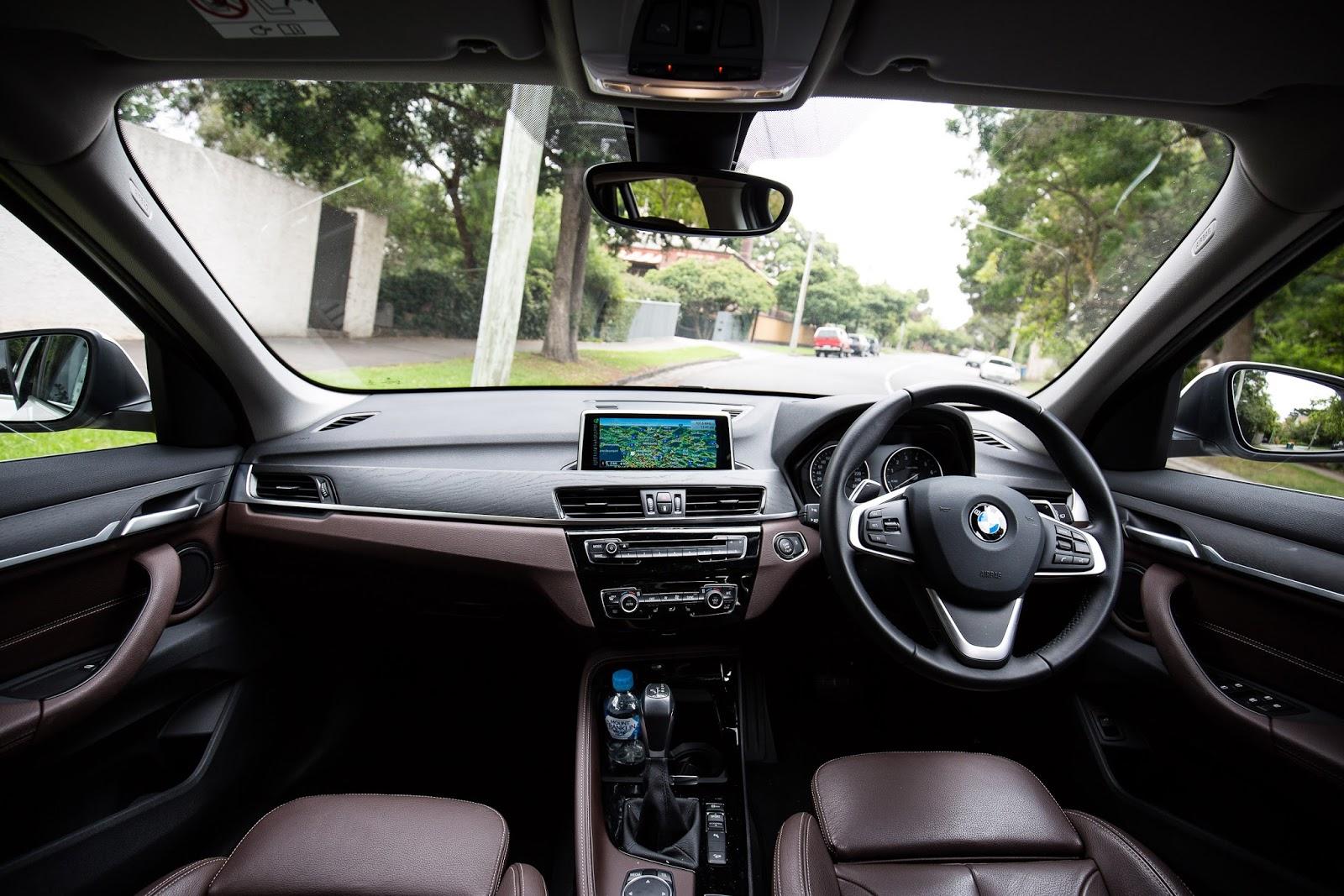 BMW X1 có thiết kế nội thất khá đơn giản và thực dụng