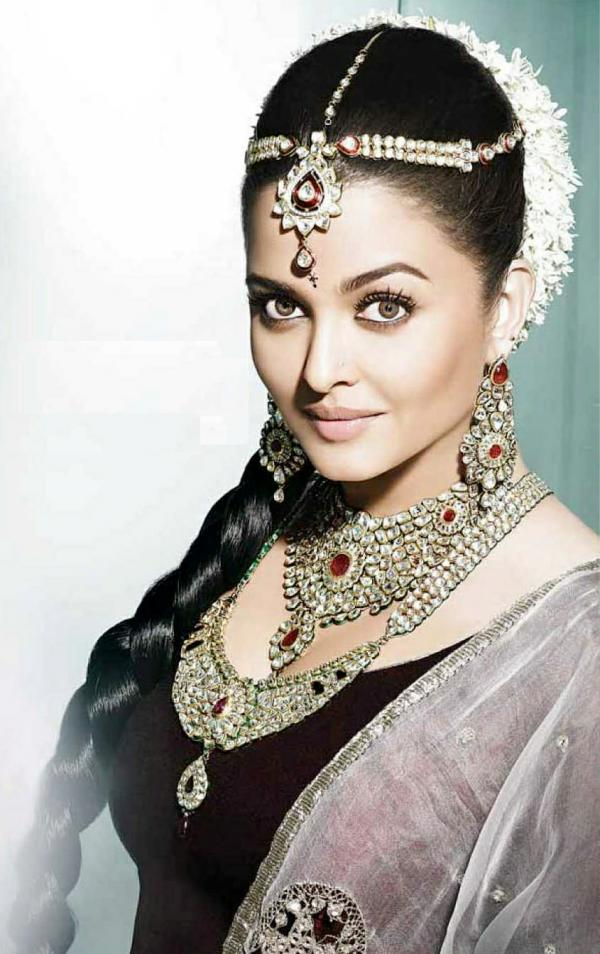 Aishwarya Rai Kalyan Jewellers Ad Photos