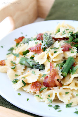 Creamy Pasta with Asparagus and Bacon
