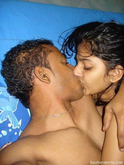 indian boobs kissing