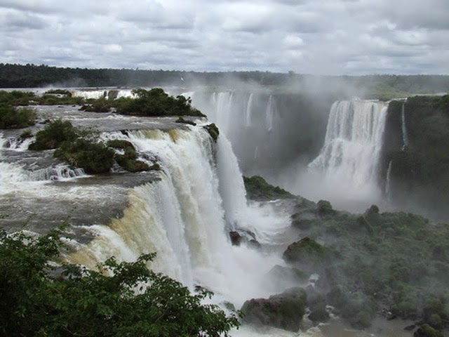 10 Amazing Border between Countries | The border between Argentina, Paraguay, and Brazil