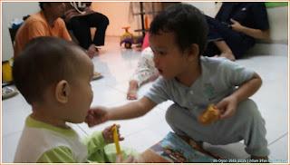 Gambar kanak-kanak Adam Irfan disuap sepupunya Nasrullah