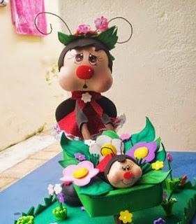 http://fofuchasevacia.blogspot.com.es/2013/08/joaninha-mamae-e-bebe.html