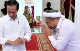 kemarin disebut umar bin khattab, kini ada yang bilang jokowi mewakili tuhan di muka bumi