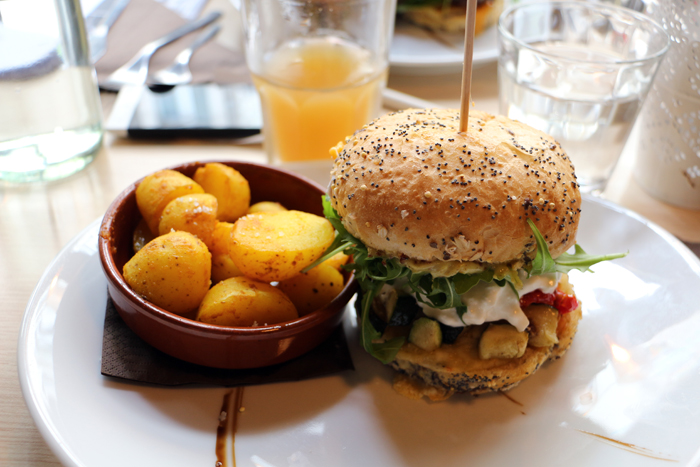 Veggie-Burger im Sainbioz in Nantes