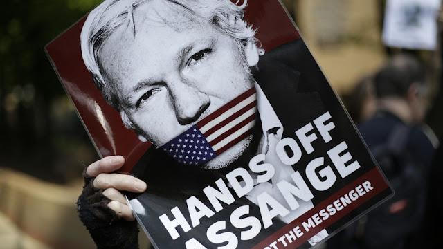 """""""Desconfiamos en absoluto"""": Abogado de Assange se pronuncia luego de que Ecuador acordara entregar a EE.UU. las pertenencias del activista"""