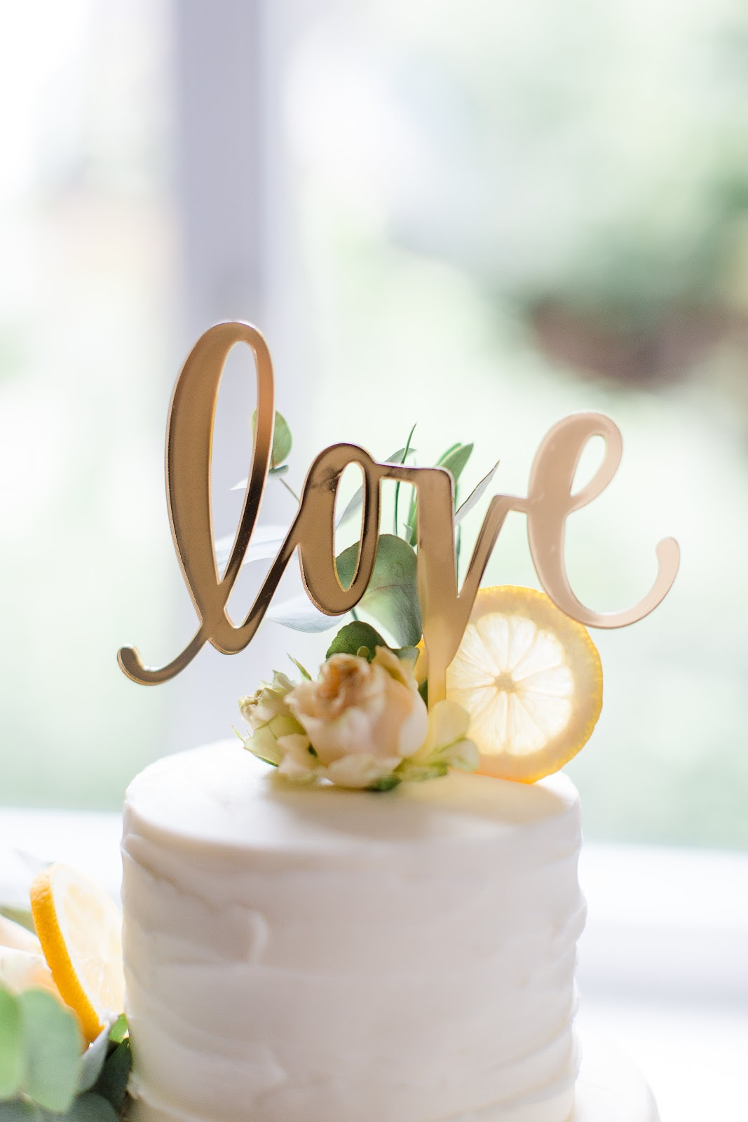 Caketopper love Weddingcake