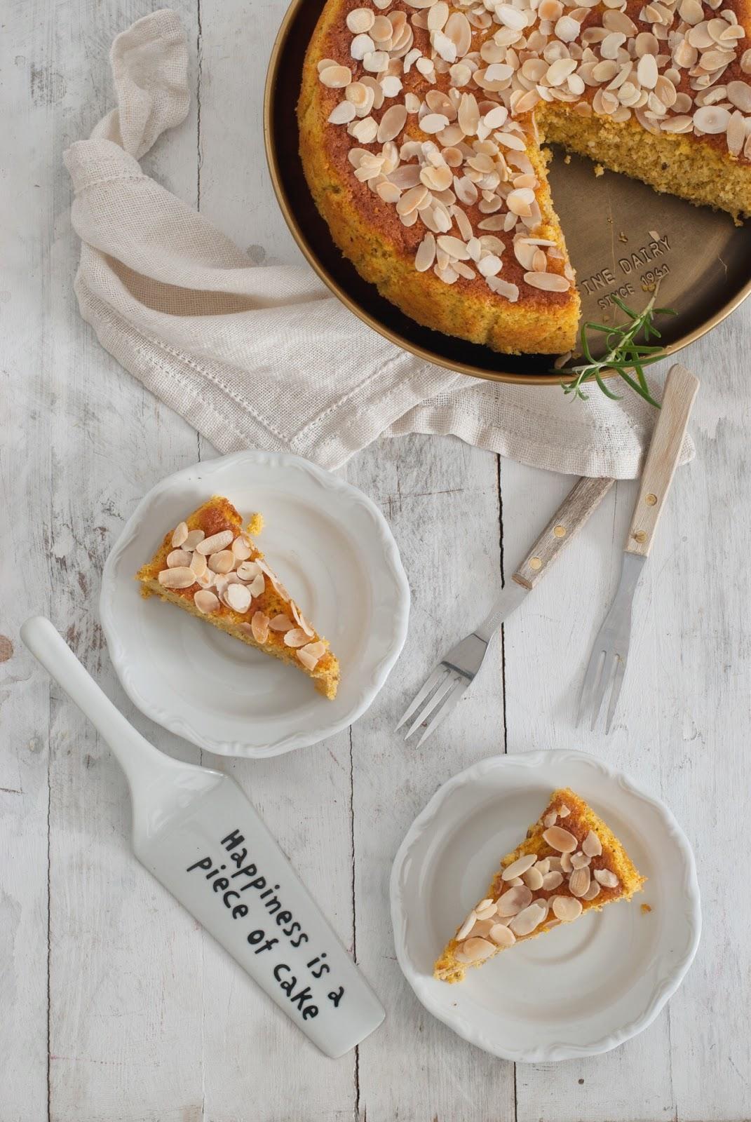 Wilgotne ciasto pomarańczowe z kaszką kukurydzianą
