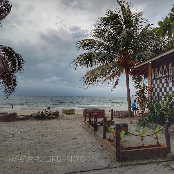 Pantai Kemala, si Manis di pusat Kota Balikpapan