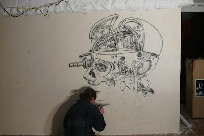 Malowanie obrazów na ścianie w domach, klubach, graffiti artystyczne, mural biomechanika