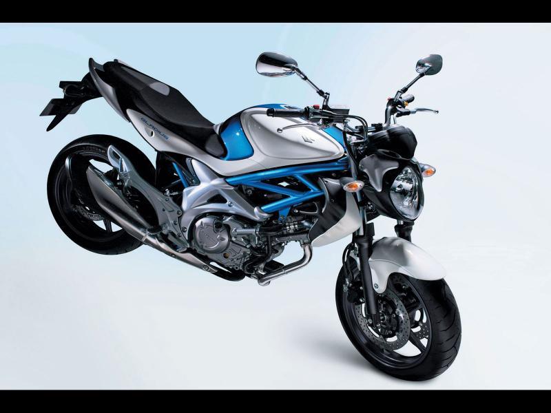 2013 suzuki sfv650 gladius motorcycle review. Black Bedroom Furniture Sets. Home Design Ideas