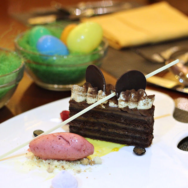 Chocolate Hazelnut Truffle Cake Tampture