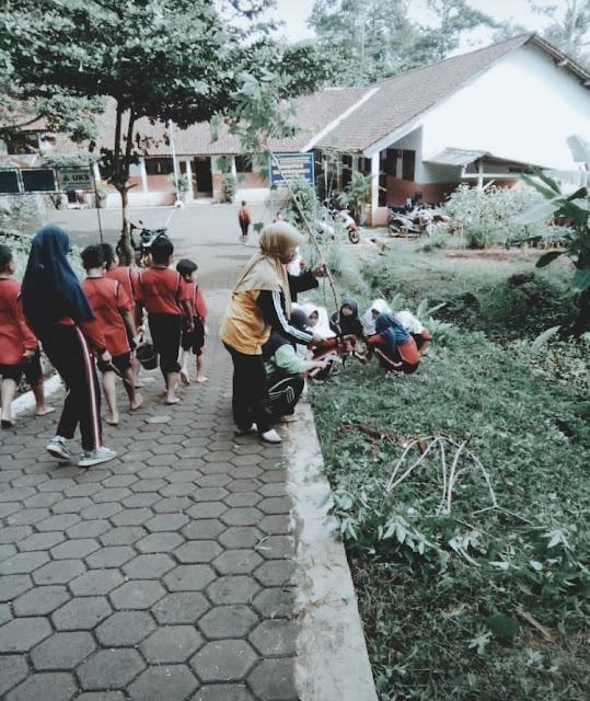 Kartu Indonesia Pintar dan Kenangan Sekolah di Desa