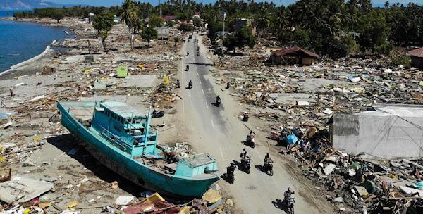 Ινδονησία: Νέα ισχυρή σεισμική δόνηση προκαλεί πανικό μετά το τσουνάμι