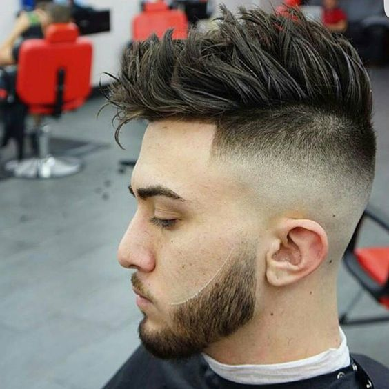 Tagli di capelli maschili particolari