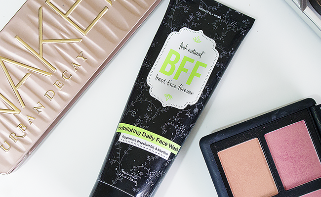 A Good Hue's 2016 Beauty Favorites: Perfectly Posh BFF Exfoliating Daily Face Wash