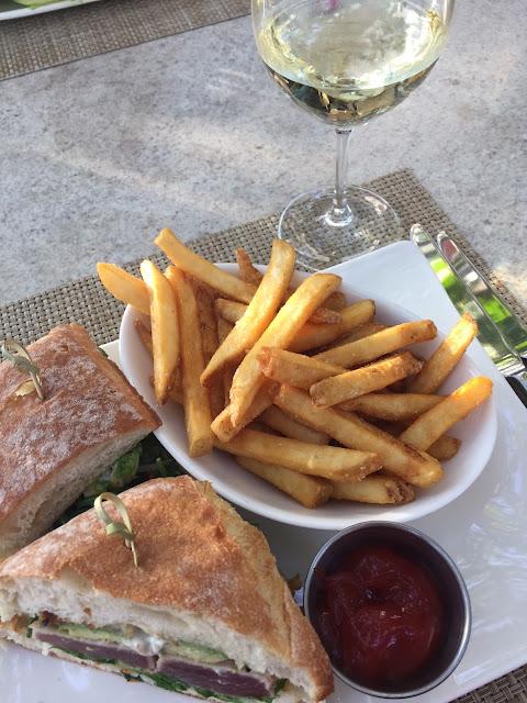 Oak Grill Ahi Sandwich