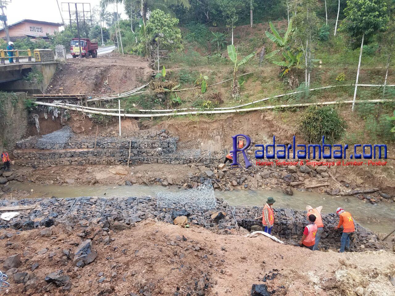 Proyek Bronjong Jalan Nasional Diduga Gunakan Material di Lokasi