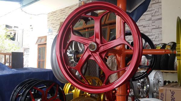 foto Velg Motor Warna Merah