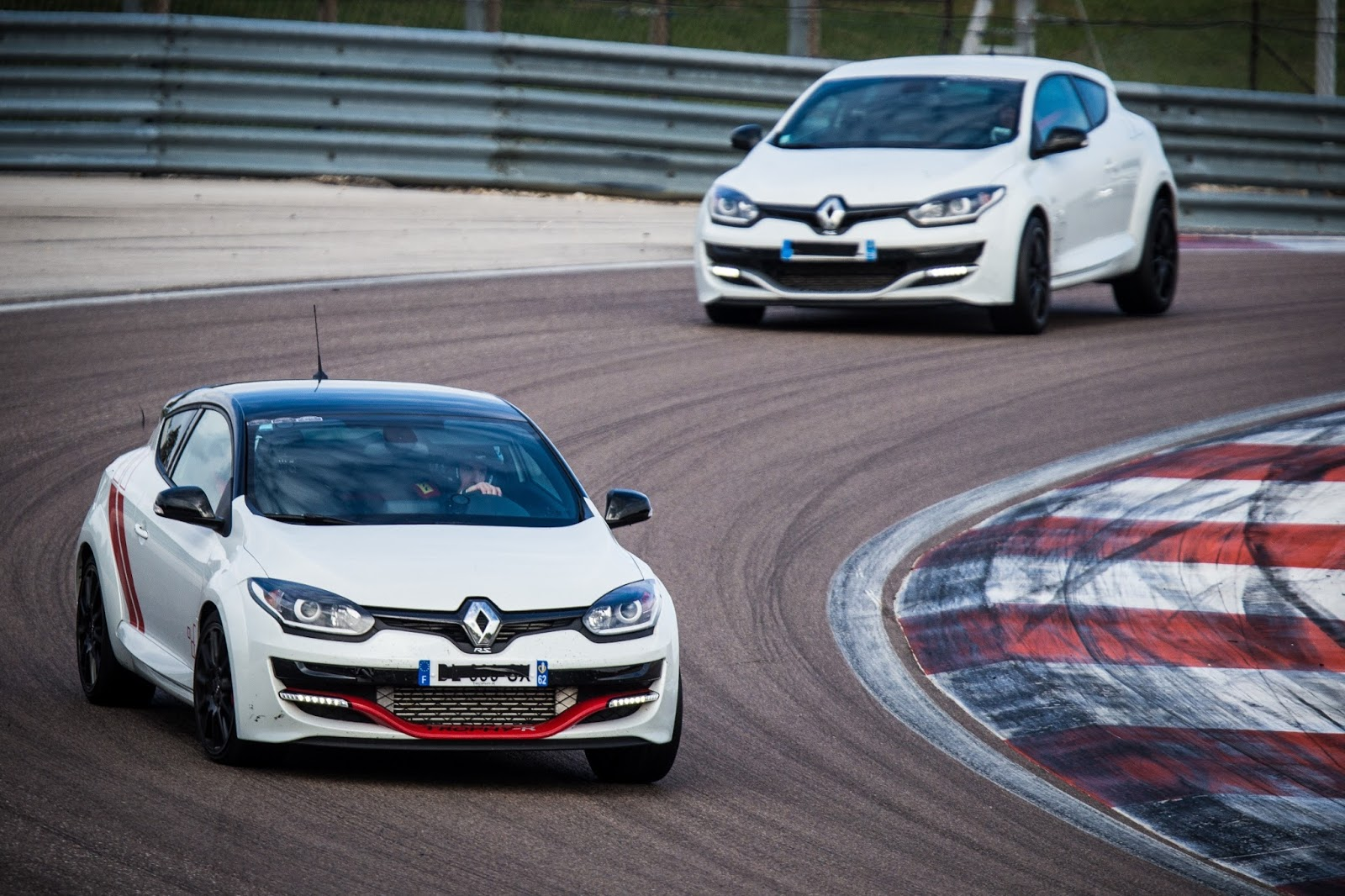 00090230 l Renault Sport: Passion for Racing!