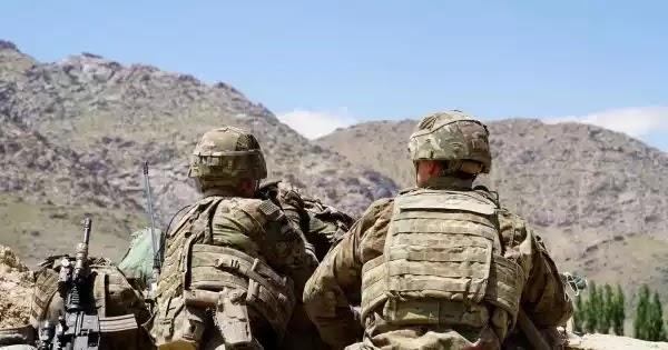 Τέλος οι ΗΠΑ από το Αφγανιστάν: Συμφώνησαν με τους «τρομοκράτες» Ταλιμπάν να φύγουν σε 14 μήνες