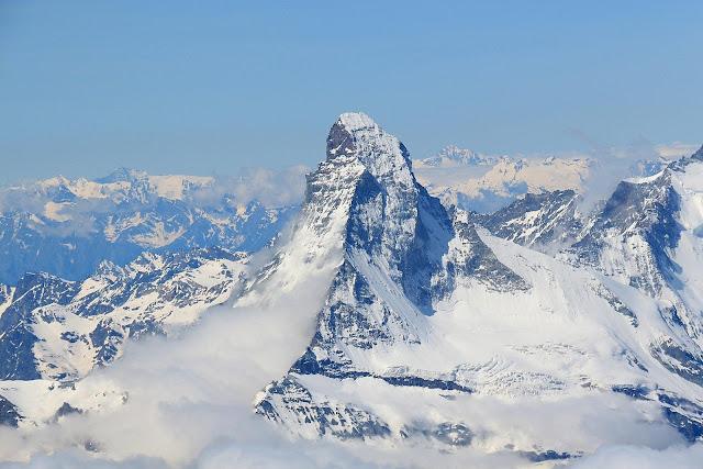 Matterhorn widziany ze szczytu Dom