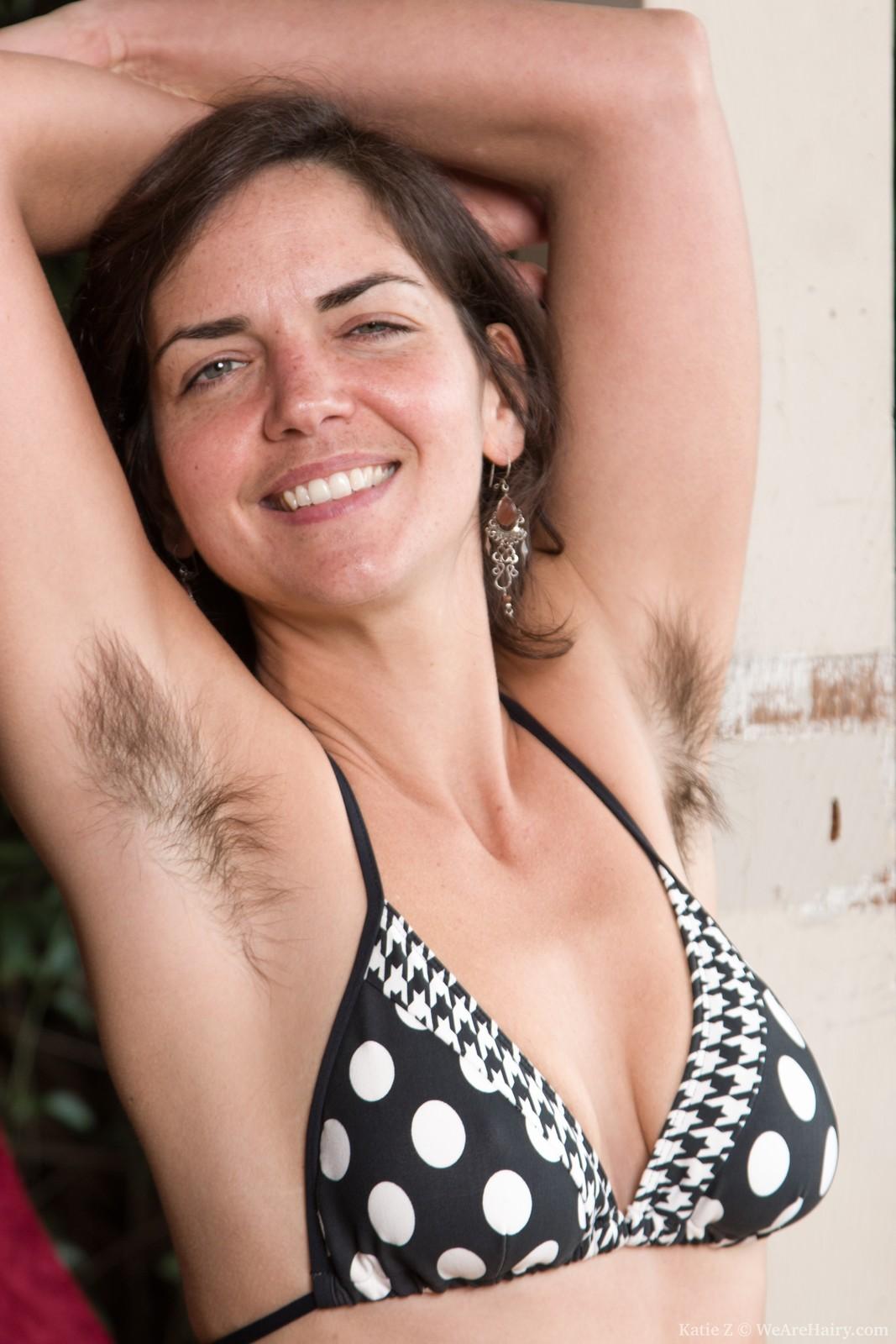 девушки секс женщины с волосатой областью бикини райский уголок одном