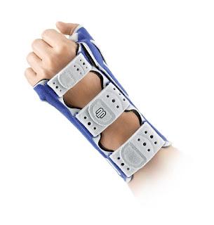 Attelle de stabilisation ManuLoc Rhizo de BAUERFEIND pour poignet et pouce