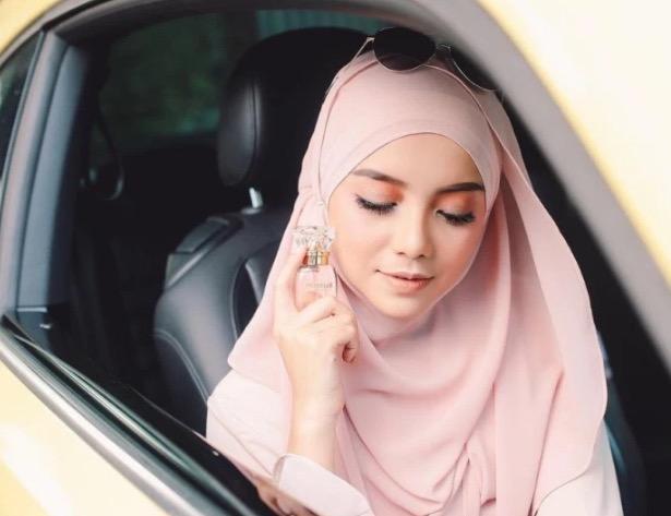 Apabila Suami Kantoi Mengayat Mira Filzah Di Facebook