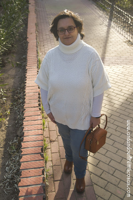 Jersey-Poncho Blanco De SheIn