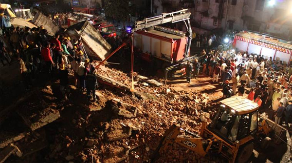 Ahmedabad: 10 feared trapped as four-storeyed building collapses in Odhav area, Ahmedabad, News, Building Collapse, Video, Trapped, Flat, National